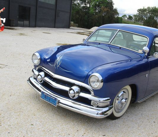 Ford Custom Club Coupe 1951
